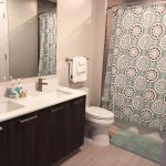 Liberty Harbor East Guest Suite Bathroom